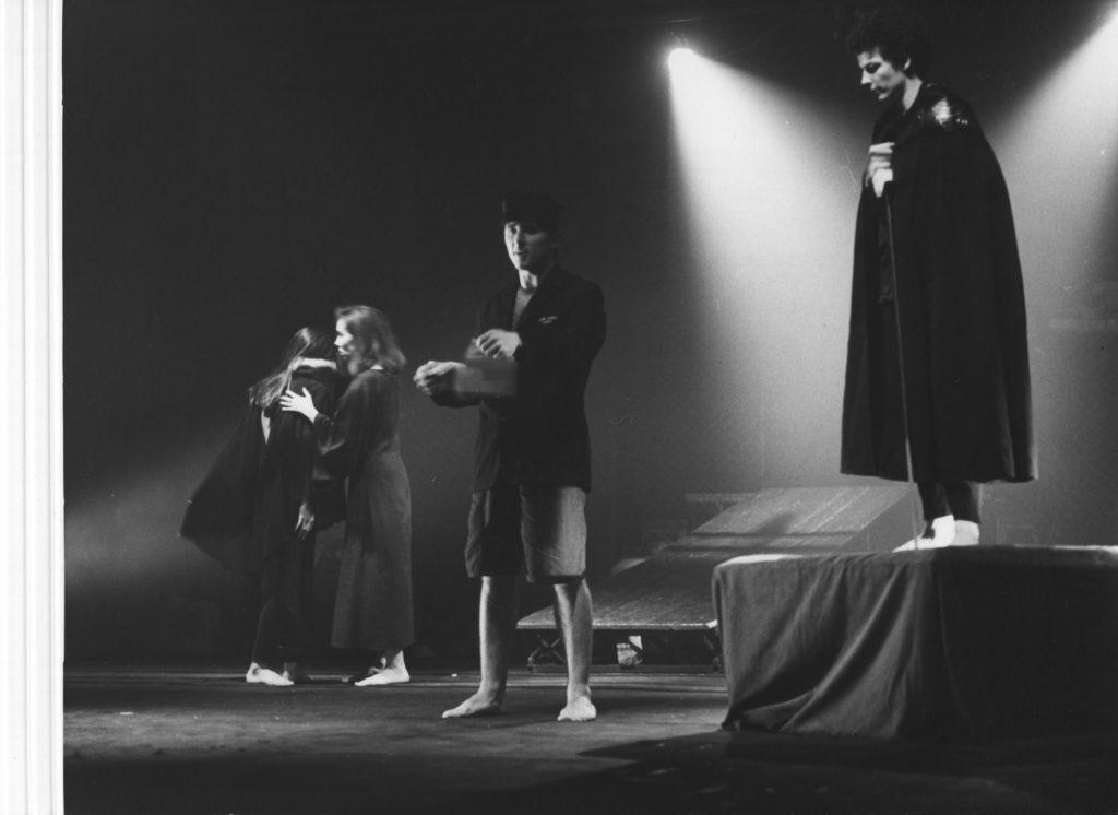 1992 Hamlet fragmenty a slová - Pezinské rozprávkové divadlo